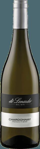 Der Chardonnay von Di Lenardo leuchtet im Glas in einem kräftigen Strohgelb. Die erste Nase offenbart sortentypische Aromen von Apfel und Pfirsich mit einem Hauch tropischer Frucht und dezentem Bisquit. Am Gaumen begeistert dieser vielfach prämierte Chardonnay aus dem Friaul mit Frische, Ausdrucksstärke und belebendem Finale. Vinifikation des Chardonnay von Di Lenardo Nach der Lese wurden die Trauben für diesen Weißwein sanft gepresst, nach einem ersten Abstich wurde der Most in Gärbottiche überführt und auf der Hefe gelagert. Dieser Chardonnay wurde unter Vakuum abgefüllt und mit einem DIAM Korken verschlossen. Speiseempfehlung für den Di Lenardo Chardonnay Genießen Sie diesen trockenen Weißwein aus dem Friaul zu Gemüsegratin, Risotto, Geflügel und hellem Fleisch. Auszeichnungen für den Chardonnay von Di Lenardo Luca Maroni: 94 Punkte für 2017 Luca Maroni: 94 Punkte für 2016 Luca Maroni: 94 Punkte für 2015 Gambero Rosso: 3 Gläser für 2015