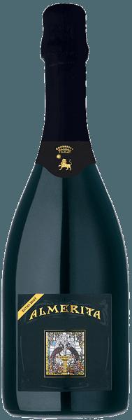 """Der Almerita Brut Contea di Sclafani DOC von Tenuta Regaleali von Tasca d'Almerita ist ein sehr eleganter Schaumwein nach der klassischen Methode aus Sizilien. Im Glas präsentiert sich der Almerita Brut goldgelb glänzend mit sehr feiner, andauernder Perlage. An der Nase entfalten sich typisch sizilianische Zitrusaromen, der Duft von Mispeln und Zitronat, am Gaumen begeistert dieser exquisite Spumante durch feine natürliche, geschmeidige Fülle und Weichheit. Der Nachhall ist lang und nachhaltig. Vinifikation des Almerita Brut Contea di Sclafani von Tasca d'Almerita Für diesen exklusiven sizilianischen Schaumwein werden 100% Chardonnay-Trauben vinifiziert, die in den höchsten Lagen des Weingutes Regaleali wachsen. Nach der manuellen Lese durchlaufen die Trauben die Gärung und die vollständige malolaktische Gärung. Der Wein wird dann 24 Monate in der Flasche nach dem """"Metodo Classico"""", der traditionellen Flaschengärung auf den Hefen ausgebaut, im Frühjahr dann degorgiert und mit der Brut-Dosage wieder aufgefüllt. Danach ruht er noch weitere 6 Monate im Flaschenlager bevor er in den Verkauf kommt. Der Almerita Brut aus Chardonnay wird seit Beginn der 90ger Jahre mit viel Sorgfalt und Geduld erzeugt, die Langsamkeit beim Ausbau ist kennzeichnend für die hohe Qualität und Finesse dieses Schaumweins aus dem Hause Tasca, über die Jahre mehrfach ausgezeichnet. Speiseempfehlung für den Almerita Brut Contea di Sclafani von Tasca d'Almerita Geniessen Sie diesen edlen Schaumwein aus Sizilien als Aperitif, zu raffinierten Vorspeisen, als Begleiter zu Fischzubereitungen und Schalentieren, und natürlich zu verschiedenen festlichen Anlässen."""