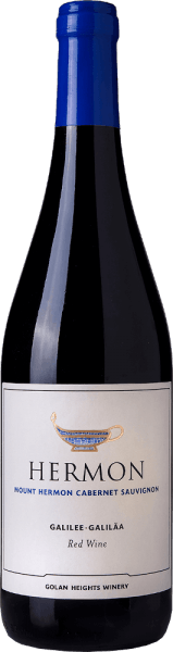 DerMount Hermon Cabernet Sauvignon von Golan Heights Winery aus dem Weinanbaugebiet Golan / Galiläa ist ein charakterstarker, harmonischer und ansprechender Rotwein. Dieser Wein schimmert in einem kräftigen Rubinrot mit kirschroten Reflexen im Glas. Das sortentypische Bouquet umschmeichelt die Nase mit intensiven Aromen nach saftigen Kirschen, reifen Pflaumen und frisch gepflückten Himbeeren - abgerundet von feinen Kräuternuancen. Auch am Gaumen überzeugt dieser Rotwein mit dem klassischen Sortencharakter eines Cabernet Sauvignons. Der vollmundige Körper lässt sich von den Aromen der Nase einhüllen und die dichte, samtige Textur rundet den wundervollen Gesamteindruck perfekt ab. Speiseempfehlung für den Cabernet Golan Heights Winery Mount Hermon Genießen Sie diesen trockenen Rotwein von den Golanhöhen gerne zu gemütlichen Grillabenden mit der Familie und den Freunden. Aber auch zu den italienischen Klassikern, wie Pasta und Pizza, ist dieser Wein ein Genuss. Dieser Artikel darf nach der EU-Richtlinie2015/C 375/05nicht als Wein aus Israel deklariert werden. Mehr Informationen zu dieser EU-Richtlinie finden Siehier.