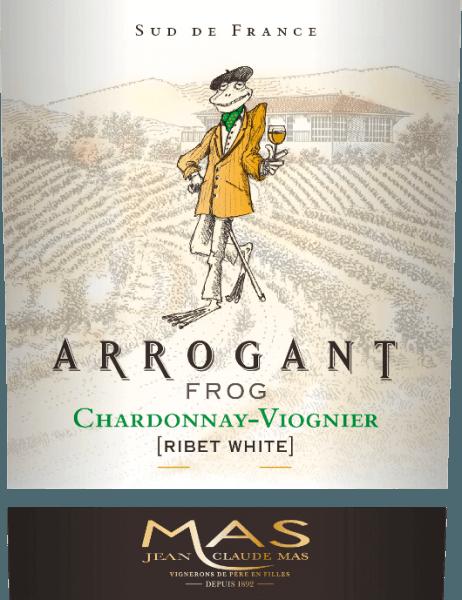 Der Ribet Blanc von Arrogant Frog ist eine seidige, französische Weißwein-Cuvée aus den Rebsorten Chardonnay (70%) und Viognier (30%). Im Glas erscheint dieser Wein in einem satten Goldgelb mit grünlichen Nuancen. Dieser französische Weißwein überzeugt mit einer eleganten Nase, die fruchtige Aromen von tropischen Früchten, wie Ananas und Pfirsich, und frische Zitrusfrüchte mit Anklängen von Vanille kombiniert. Auch am Gaumen spiegeln sich die fruchtigen Aromen der Nase wider. Der seidige, frische Körper wird von einer schön ausbalancierten Säure getragen. Dieser Wein schließt mit einem langen Nachhall. Vinifikation des Ribet Blanc Chardonnay Viognier Arrogant Frog Nach der Lese der Trauben wird das Lesegut im Weinkeller zunächst vollständig entrappt. Die beiden Rebsorten für diesen Wein werden getrennt voneinander vinifiziert. Etwa 3 Wochen wird der Most in Edelstahltanks bei kontrollierter Temperatur (max. 18 Grad Celsius) vergoren. 30% des Chardonnay werden in Eichenholzfässern ausgebaut - die restlichen 70% und der Viognier verbleiben in den Edelstahltanks. Speiseempfehlung für den Arrogant Frog Chardonnay Viognier Genießen Sie ihn zu knackigem Gemüse, Sushi, mediterranen Meeresfrucht- und Fischgerichten, weißem Geflügel, Fruchtdesserts und Speisen der asiatischen Küche. Auszeichnungen für den Ribet Blanc Arrogant Frog Mundus Vini: Silber für 2017 Mundus Vini: Gold für 2016