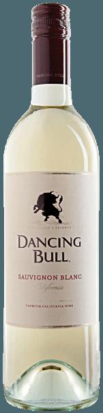Der Sauvignon Blanc von Dancing Bull strahlt im Glas strohgelb und entfaltet ein wunderbar frisches und knackiges Aroma. Dieses wird geprägt von den Aromen von Zitrusfrüchten, wie Grapefruit, Zitrone und Limette. Dazu gesellen sich tropische Anklänge von Kiwi und Mango ebenso wie ein Hauch von frischem Gras. Am Gaumen begeistert dieser Weißwein mit seiner angenehmen Säure und den frischen Zitrusaromen, welche ihm seine besonders knackige Frische verleihen. Ein wahrer Genuss, der an eine frisch gepresste Limonade an Sommertagen erinnert. Der Dancing Bull Sauvignon Blanc wird zu 95% aus Sauvignon Blanc und zu 5% aus Semillon vinifiziert. Speiseempfehlung für den Dancing Bull Sauvignon Blanc Genießen Sie diesen trockenen Weißwein als Aperitif, zu einer Lachs-Forellen-Terrine oder Meeresfrüchten und Papaya-Hähnchen-Spießen vom Grill. Ein besonderes Geschmackserlebnis ist diese Cuvée zu mariniertem Fleisch mit Basilikum oder Koriander. Auszeichnungen für den Dancing Bull Sauvignon Blanc Wine Spectator: 88 Punkte (Jahrgang 2015) Wine Enthusiast: 87 Punkte (Jahrgang 2015)