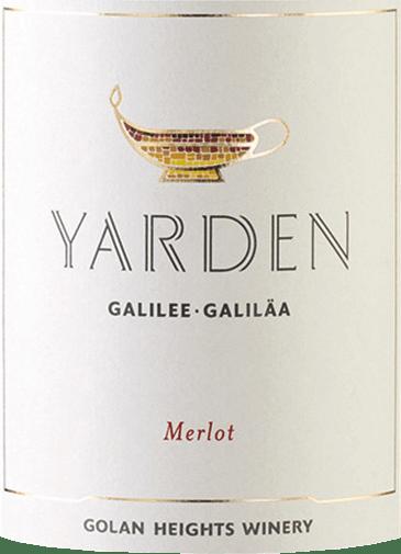 Der Yarden Merlot von Golan Heights Winery aus dem Weinanbaugebiet Golan / Galiläa ist ein rebsortenreiner, vollmundiger und ausdrucksstarker Rotwein. Dieser Wein zeigt sich in einem leuchtenden Rubinrot im Glas. In der Nase präsentieren sich Aromen von reifen, dunklen Früchten - insbesondere Brombeere, Schwarzkirsche und schwarze Johannisbeere treten in den Vordergrund - Kräuter der Provence, Lorbeerblättern und grünen Oliven. Am Gaumen zeigt sich dieser Rotwein sich üppig und körperreich und trotz seiner Kraft und Dichte elegant und ausgewogen. Die Holznuancen sind perfekt in den Körper eingebunden und hallen auch im langen Finale angenehm nach. Yarden ist die führende Marke der Golan Heights Winery unter der die alljährlichen Flaggschiff-Weine aus den besten Trauben der besten Lagen vermarktet werden. Yarden ist darüber hinaus der hebräische Name für den Fluss Jordan, der die Golanhöhen und Galiläa trennt. Das Etikett bildet ein Symbol aus dem alten Israel ab - eine mit Mosaikfließen dekorierte Öllampe. Vinifikation desGolan Heights Winery Yarden Merlot Die Trauben wachsen sowohl aus dem zentralen als auch nördlichen Golanhöhen. Klassisch werden die Trauben im Weinkeller schonend gepresst und anschließend wird die Maische in Edelstahltanks vergoren. Nach abgeschlossenem Gärprozess reift dieser Wein für 18 Monate in kleinen Holzfässern aus französischer Eiche - davon sind 40% neues Holz. Speiseempfehlung für denMerlot Golan Heights Winery Yarden Genießen Sie diesen trockenen Rotwein von den Golanhöhen zu mediterran-gewürzten Lammspießen, fein aufgeschnittenem Roastbeef oder auch zu gegrilltem Lachsfilet.  Dieser Artikel darf nach der EU-Richtlinie2015/C 375/05nicht als Wein aus Israel deklariert werden. Mehr Informationen zu dieser EU-Richtlinie finden Siehier.