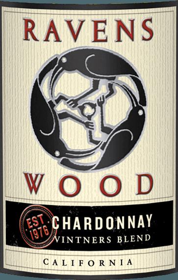 Vintners Blend Chardonnay von Ravenswood ist ein lebendiger, rebsortenreiner Weißwein aus dem amerikanischen Weinanbaugebiet Kalifornien. Im Glas erstrahlt dieser Wein in einem hellen Strohgelb mit goldenen Glanzlichtern. Das kräftige Bouquet verführt mit intensiven Aromen nach reifer Aprikose, saftiger Pfirsich und sommergereiften Zitrusfrüchten. Dazu gesellen sich feine Röstnoten und Gewürze der Holzfasslagerung. Am Gaumen ist dieser Weißwein wundervoll saftig, frisch und lebendig mit einer seidigen Textur. Die filigranen Noten der Nase spiegeln sich auch im Geschmack wider und harmonieren wundervoll mit der rassigen, erfrischenden Säure. Der Nachhall überzeugt mit einer angenehmen Länge. Vinifikation des Ravenswood Chardonnay Vintners Blend Von den unterschiedlichsten Weinbergen in Kalifornien stammen die Trauben für diesen amerikanischen Weißwein. Nach der Lese der Trauben wird der Most zunächst in Edelstahltanks - teils auch in offenen Fermentern - vergoren. Nach abgeschlossenem Gärprozess reift dieser Wein für 18 Monate in Fässern aus französischer Eiche (30% neues Holz). Speiseempfehlung für den Chardonnay Ravenswood Vintners Blend Dieser trockene Weißwein aus den USA ist ein toller Begleiter zu Putensteaks vom Grill mit knackigen Salat, frischen Pilzpfannen, gebratenem Fisch in Zitronensauce oder auch zur asiatischen Küche (besonders Thai Curry).