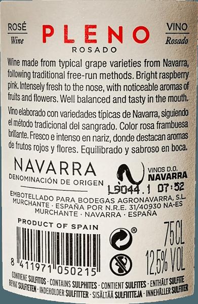 Die strahlend rosige Farbe des Pleno Rosado von Bodegas Agronavarra erinnert an frische Erdbeeren, die auch das fruchtig-frische, angenehm duftige Bouquet prägen. Darüber hinaus sind Aromen von Himbeeren und Holunderblüten, verfeinert mit feinwürzigen Nuancen von Melisse und Minze wahrzunehmen. Am Gaumen beeindruckt dieser unkomplizierte Rosé mit jeder Menge saftiger Frucht und Frische sowie einer kompakten Säurestruktur und dezenten Tanninen. Vinifikation des Pleno Rosado Die maschinell und manuell geernteten Garnacha Trauben werden gemahlen und einer temperaturkontrollierten Gärung im Edelstahltank unterzogen. Danach wird der Wein für wenige Monate im Tank verfeinert und schließlich auf die Flasche gefüllt. Speisempfehlung für den Agronavarra Pleno Rosado Wir empfehlen diesen herrlichen Garnacha Rosé aus Navarra im Norden Spaniens zu Salaten, Pizza, Pasta mit dunklen Saucen, Grillgerichten und Fisch.