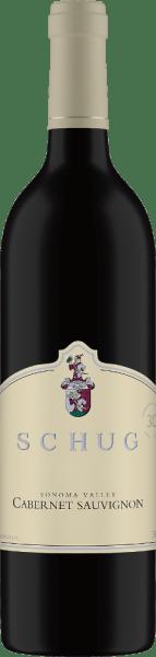 DerCabernet Sauvignon Sonoma Valley von Schug Winery ist eine wundervolle Rotwein-Cuvée aus den RebsortenCabernet Sauvignon (75 %), Merlot (12 %), Cabernet Franc (9 %), Malbec (2 %) und Petit Verdot (2 %). Im Glas leuchtet dieser Rotwein in einem kräftigen Rubinrot mit purpurnen Highlights. Das Bouquet offenbart die klassischen Rebsortenaromen nach roten Beeren, Cassis und eine dezente Würze. Der Gaumen lässt sich von Noten nach reifen Herzkirschen und schwarzen Johannisbeeren verwöhnen. Der Ausbau im Holzfass verleiht diesem Wein dezente Anklänge an würziger Eiche. Die zarten Tannine harmonieren perfekt mit der üppigen Frucht, der samtig weichen Textur und der filigranen Säure. Das Finale wird von Beerenaromen getragen. Vinifikation des Schug Cabernet Sauvignon Sonoma Valley Die Trauben für diesen kalifornischen Rotwein stammen aus den AnbaugebietenCarneros, Sonoma County und North Coast. Nach der sorgsamen Lese der Trauben findet die Gärung in Edelstahltanks statt. Damit dieser Rotwein seine holzigen sowie würzigen Anklänge und zarte Tanninstruktur gewinnt, wird dieser für 24 Monate in französischen Barriques ausgebaut. Speiseempfehlung für den Sonoma Valley Cabernet Sauvignon von Schug Dieser trockene Rotwein ist ein Hochgenuss zu gemütlichen Grillabenden mit der Familie und den Freunden. Aber auch zu Lamm mit Rosmarinkartoffeln oder zu Ratatouille ist dieser Wein ein wahrer Genuss.
