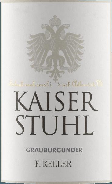Im Glas zeigt der Kaiserstuhl Grauburgunder von Weingut Franz Keller eine brillant schimmernde kupfergoldene Farbe. Das Bukett dieses Weißweins aus Baden verführt mit Nuancen von Birne, Grapefruit, Nashi-Birne und Pampelmuse.Gerade seine fruchtbetonte Art macht diesen Wein so besonders. Dieser trockene Weißwein von Weingut Franz Keller ist perfekt für Weingenießer, die am liebsten knochentrocken trinken. Leichtfüßig und facettenreich präsentiert sich dieser knackig Weißwein am Gaumen. Das Finale dieses Weißwein aus der Weinbauregion Baden, genauer gesagt aus Kaiserstuhl, besticht schließlich mit schönem Nachhall. Vinifikation des Kaiserstuhl Grauburgunder von Weingut Franz Keller Dieser Wein legt den Fokus klar auf eine Rebsorte, und zwar auf Grauburgunder. Für diesen wunderbar eleganten sortenreinen Wein von Weingut Franz Keller wurde nur erstklassiges Lesegut verwendet. Nach der Handlese gelangen die Weintrauben zügig in die Kellerei. Hier werden sie selektiert und behutsam gemahlen. Anschließend erfolgt die Gärung im Edelstahltank bei kontrollierten Temperaturen. Nach dem Abschluss der Gärung kann sich der Kaiserstuhl Grauburgunder für einige Monate auf der Feinhefe weiter harmonisieren.. Speiseempfehlung für den Kaiserstuhl Grauburgunder von Weingut Franz Keller Dieser Weißwein aus Deutschland sollte am besten gut gekühlt bei 8 - 10°C genossen werden. Er passt perfekt als Begleiter zu Kartoffel-Pfanne mit Lachs, Kürbis-Auflauf oder Lauch-Tortilla.