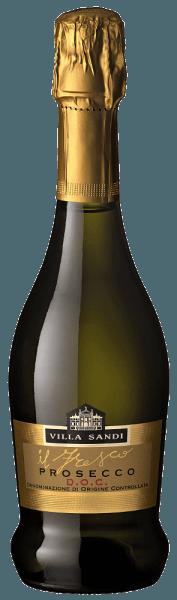 """Villa Sandi Prosecco il Fresco Der il Fresco Prosecco Spumante DOC Brut von Villa Sandi wurde mehrfach zum Prosecco des Jahres (Weinwirtschaft - Meininger Verlag)gewählt. Er ist und bleibt eine wirklich herausragende, knackig-fruchtige Empfehlung! """"Großes Traubenkino""""schreibt das GQ-Magazin. DerProsecco il fresoist der richtige Prosecco für die nächste Familienfeier, der korrekte Aperitiv für eine entsprechende Weinverkostung oder auch einfach ein schönes Essen. Einer der Prosecco-Bestseller von VINELLO. Verkostungsnotiz des Villa Sandiil Fresco Prosecco Spumante DOC Brut Er zeigt sich in einer strohgelben Farbe mit einer äußerst subtilen, feinen und seidigen Perlage und einem lang anhaltenden, frischen Mousseux.Il Frescobedeuted """"Der Frische""""! In der Nase und am Gaumen zeigen sich Aromen von frischen Granny Smith Äpfeln und Williamsbirnen sowie Cantaloupe-Melone. Im Mund wirkt er frisch und spritzig und weiß mit seinem perfekten Süße/Säure-Spiel zu überzeugen. Einfach ein grandioser, perfekt erzeugter Prosecco-Spumante, der sowohl als Aperitif als auch Begleiter leichter Speisen eine gute Figur macht. Auszeichnungen des Villa Sandi Prosecco il fresco Zehnmal in Folge konnte derIl Fresco von Villa Sandidie Auszeichnung Prosecco des Jahres des Fachmagazins""""Weinwirtschaft""""entgegen nehmen. Mundus Vini 2014: Gold fürVilla Sandi Prosecco il fresco Weinwirtschaft:Prosecco des Jahres 2015, 2014, 2013, 2012,2011, 2010, 2009, 2007, 2006 & 2004 undbester Schaumwein Italiens 2008 """"Scheint nahezu unschlagbar als Prosecco Spumante im deutschen Fachhandel. Stabile Qualität, dazu eine Ausstattung auf Top-Niveau."""""""