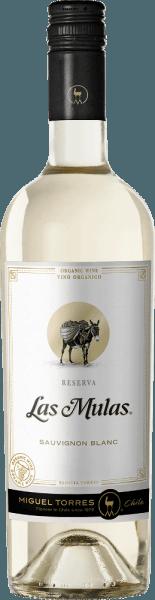 Die Trauben für denLas Mulas Sauvignon Blanc von Miguel Torres Chile wachsen auf ökologisch bewirtschafteten Weinbergen im wunderschönen chilenischen Anbaugebiet Valle Central. Dieser Wein präsentiert sich im Glas in einem zarten Strohgelb mit glänzend grün-goldenen Reflexen. Duftige Aromen nach frischer Grapefruit und Zitrone verschmelzen mit blumigen Anklängen nach Obstblüten und exotischen Noten - insbesondere Passionsfrucht - zu einem herrlich aromatischen Bouquet. Am Gaumen besitzt dieser chilenische Weißwein eine seidige Textur, die wunderbar mit der lebendigen Säure harmoniert. Auch die Aromen der Nase spiegeln sich wider, dabei entfaltet sich besonders die exotische Frucht nach Grapefruit und Maracuja. Das Finale wartet mit einem aromatischen Nachhall und angenehmer Länge auf. Speiseempfehlung für den Torres Sauvignon Blanc Las Mulas Genießen Sie diesen trockenen Weißwein aus Chile zu gegrilltem Fisch mit knackig-grünen Salaten, gebackenem Blumenkohl oder auch zu feiner Spargelquiche.