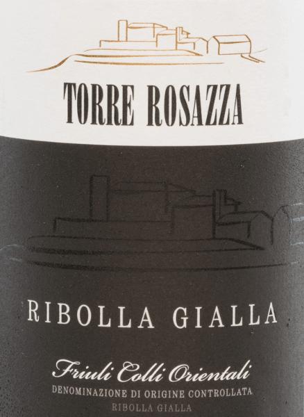 Der Ribolla Gialla von Torre Rosazza ist ein bezaubernder, sortenreiner Weißwein aus dem AnbaugebietFriaul-Julisch Venetien. Dieser italienische Wein leuchtet in einem klaren Strohgelb im Glas. Das Bouquet ist herrlich blumig mit Noten nach frischen Zitronen und saftiger Honigmelone. Die natürliche Säure ist perfekt in den Körper eingebunden und sorgt für eine herrliche Frische und dezente Würze. Auch die zitrischen Aromen der Nase finden sich am Gaumen wieder. Das mittellange Finale bringt nochmals den frischen Charakter auf. Vinifikation desTorre Rosazza Ribolla Gialla Von Hand werden die Ribolla Gialla Trauben für diesen italienischen Weißwein gelesen. Im Weinkeller von Torre Rosazza wird das Lesegut entrappt und gepresst. Der Most wird anschließend temperaturkontrolliert in Edelstahltanks vergoren. Nach der Abfüllung ruht dieser Wein noch für einige Zeit auf der Flasche. Speiseempfehlung für denRibolla Gialla Torre Rosazza Dieser trockene Weißwein aus Italien wird klassisch als Aperitif gereicht. Oder Sie genießen diesen Wein zu italienischen Pasta-Gerichten und zu Risotto. Auszeichnungen für denRibolla Gialla Torre Rosazza Decanter World Wine Awards: 97 Punkte und Platinium-Medaille für 2016