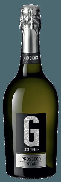 Der Prosecco Spumante Treviso aus der Feder von Casa Gheller aus Venetien offeriert im geschwenkten Glas eine brillante, platingelbe Farbe. Dieser sortenreine italienische Wein präsentiert im Glas herrlich ausdrucksstarke Noten von Orange, Birne, Pampelmusen und Kumquats. Hinzu gesellen sich Anklänge von gerösteter Haselnuss, Vollnuss-Schokolade und Krokant. Am Gaumen präsentiert sich die Textur dieses leichtfüßigen Prosecco Spumante perfekt balanciert. Durch seine prägnante Fruchtsäure präsentiert er sich am Gaumen außergewöhnlich frisch und lebendig. Vinifikation des Casa Gheller Prosecco Spumante Treviso Dieser elegante Prosecco Spumante aus Italien wird aus der Rebsorte Glera hergestellt. Die Trauben wachsen unter optimalen Bedingungen in Venetien. Die Reben graben hier ihre Wurzeln tief in Böden aus Sediment- und Verwitterungsgestein. Die Trauben für diesen Prosecco Spumante aus Italien werden, wenn sie perfekt ausgereift sind, ausschließlich von Hand geerntet. Nach der Weinlese gelangen die Weintrauben zügig ins Presshaus. Hier werden Sie sortiert und behutsam aufgebrochen. Anschließend erfolgt die Gärung im Edelstahltank bei kontrollierten Temperaturen. Nach dem Ende der Gärung kann sich der Prosecco Spumante Treviso für einige Monate auf der Feinhefe weiter harmonisieren.. Speiseempfehlung zum Casa Gheller Prosecco Spumante Treviso Dieser italienische Prosecco Spumante sollte am besten sehr gut gekühlt bei 5 - 7°C genossen werden. Er passt perfekt als Begleiter zu Omelett mit Lachs und Fenchel, Gemüsesalat mit roter Beete oder Kokos-Limetten-Fischcurry. Prämierungen für den Prosecco Spumante Treviso von Casa Gheller Neben einem sehr guten Preis-Genuss-Verhältnis kann dieser Casa Gheller Wein auch mit Auszeichnungen, darunter auch Medaillen aufwarten. Im Detail sind dies Mundus Vini - Silber