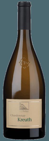 Der Kreuth Chardonnay Alto Adige/Südtirol Terlaner DOC von Cantina Terlan funkelt im Glas in einem herrlichen Strohgelb. An der Nase eröffnet sich ein komplexes Bouquet, geprägt von köstlichen Aromen exotischer Früchte, Maracuja, Sternfrucht und Zitrusfrüchte, die ergänzt werden durch aromatische und mineralische Anklänge von Feuerstein. Dieser elegante Terlaner Chardonnay präsentiert sich am Gaumen sehr harmonisch und ansprechend, weich, cremig, mit fruchtigen Noten und einem gefälligen Wechselspiel im langen Finale zwischen mineralischen Nuancen und feiner, sortentypischer Säure. Vinifikation für den Kreuth Chardonnay Alto Adige Terlaner DOC von Cantina Terlan Die Chardonnay-Trauben für diesen Cru stammen aus der namensgebenden Lage Kreuth im DOC-Weinbaugebiet von Terlan. Dieser Chardonnay weist ein beachtliches Lagerpotential auf. Die Weinlese und Selektion werden per Hand durchgeführt. Die Trauben werden im Ganzen gepresst und der Most durch natürliche Dekantierung geklärt. Die alkoholische Gärung findet in 30 hl Eichenholzfässern bei kontrollierter Temperatur statt, gefolgt von der malolaktischen Gärung und dem Ausbau über 10 Monate auf den Feinhefen, 50% in Edelstahltanks und 50% in großen Holzfässern. Speiseempfehlung für den Alto Adige Terlaner DOC Kreuth Chardonnay Dieser herrliche, elegante Chardonnay Cru aus Südtirol ist ein guter Begleiter zum Vitello Tonnato, mariniertem Oktopus, aber auch Antipasti und gegrilltes Gemüse, typische Südtiroler Käseknödel, Bärlauch und Spargel, oder der italienische Klassiker Pasta mit Olivenöl, Knoblauch und scharfer Paprika, gegrillter Fisch mit Fenchel, gefüllte, salzige Crepes oder frische Ziegenkäse. Auszeichnungen für den Kreuth Chardonnay Alto Adige Terlaner DOC von Cantina Terlan James Suckling: 93 Punkte für 2015, 94 Punkte für 2017 Falstaff: 90 Punkte für 2015 und 2013 Gambero Rosso - Vini d'Italia: 2 Gläser für 2015 I Vini di Veronelli: 91 Punkte für 2015 Wine Spectator: 90 Punkte für 2015 und 2013 Robert Parker